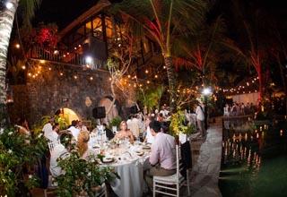 Villa Keliki Poolside Dining